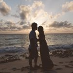 新婚旅行で海外は嫌、新婚の2人はどこへ行っても最高
